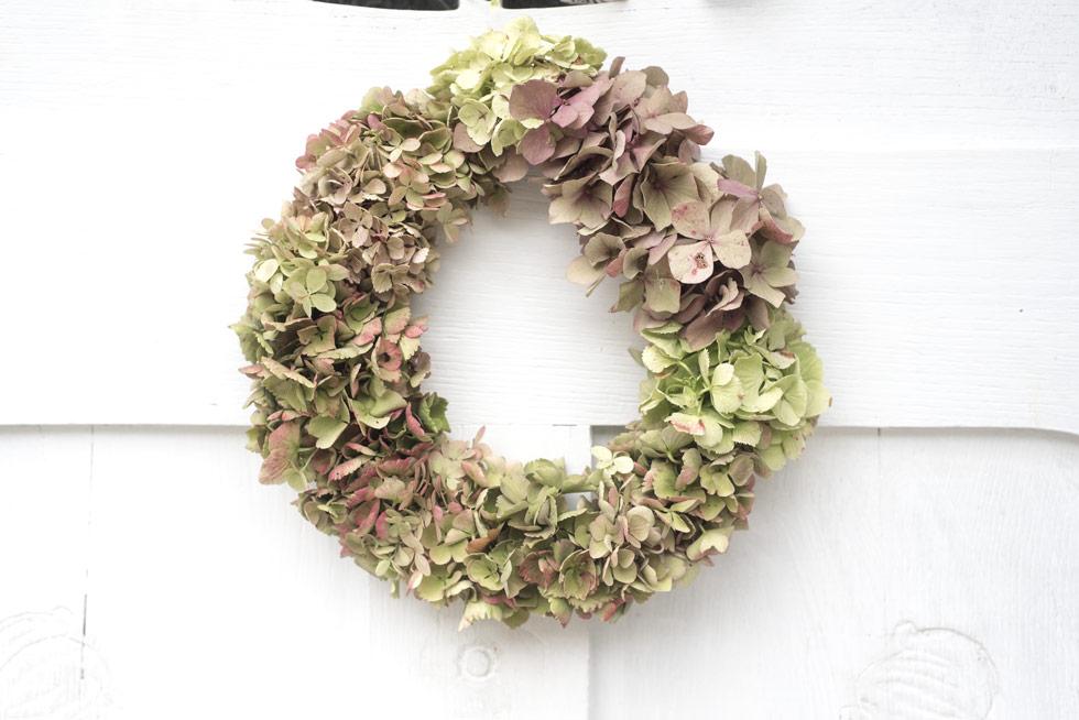 Herbstlicher Hortensienkranz